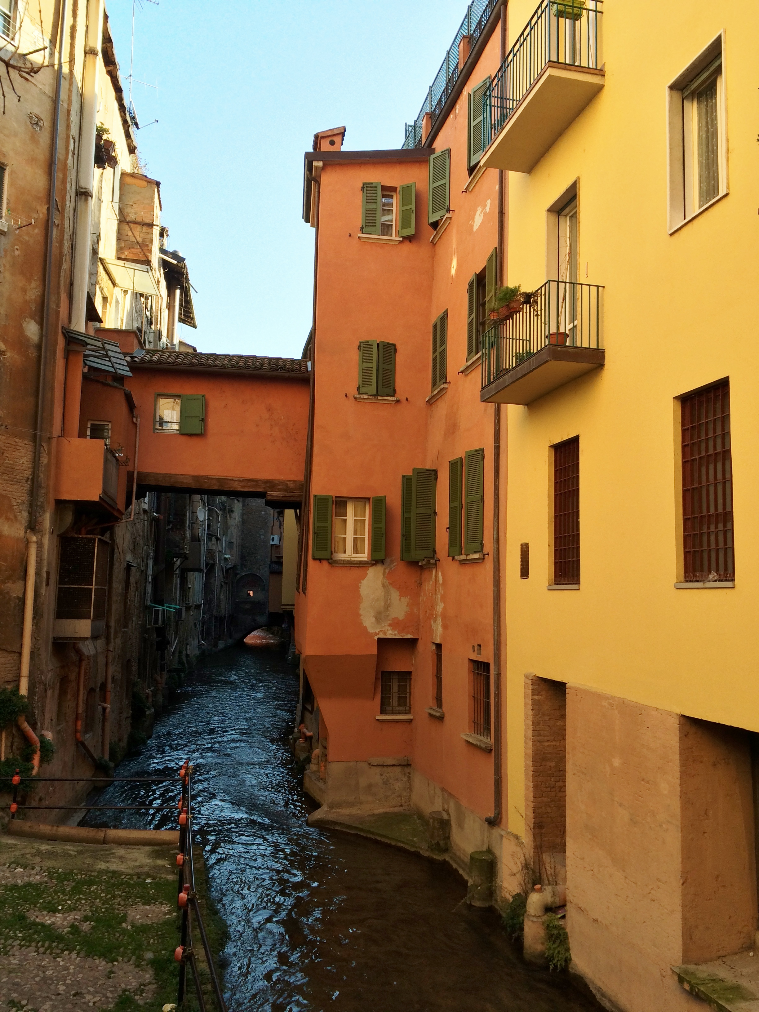 Houses by the canale delle Moline, via Malcontenti