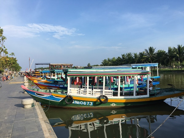 6 reasons to visit Vietnam boat Hoi An