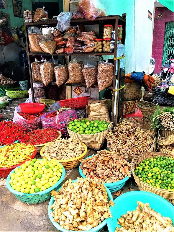 6 reasons to visit Vietnam Chinese market Saigon