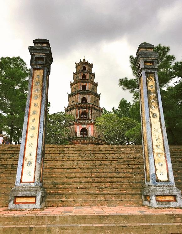 6 reasons to visit Vietnam_Confucianism temple Hué