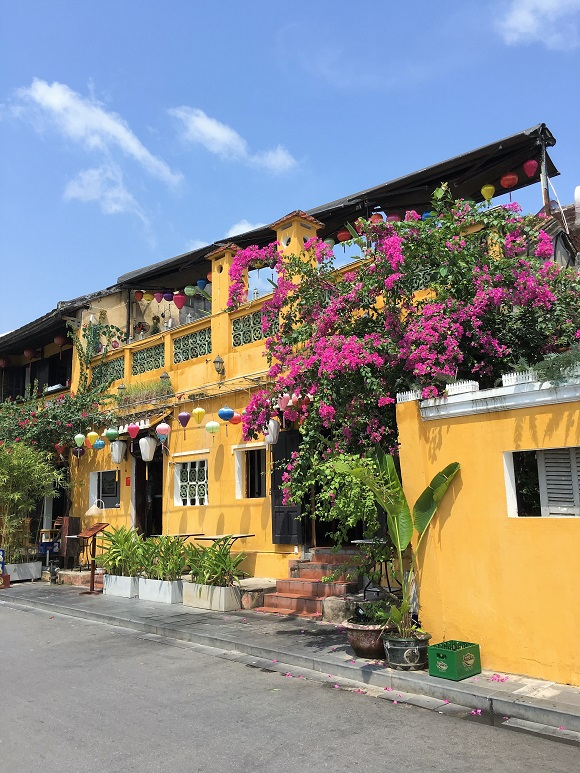 6 reasons to visit Vietnam yellow house Hoi An