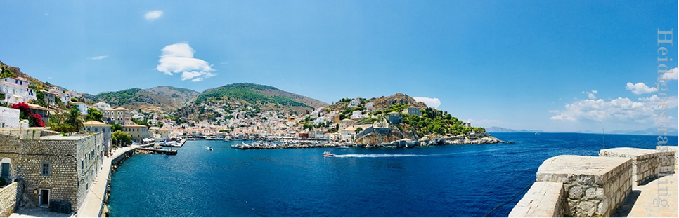 360° view of horseshoe shaped Hydra town bay