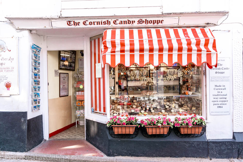 Picture of a white and red Candy shop-window